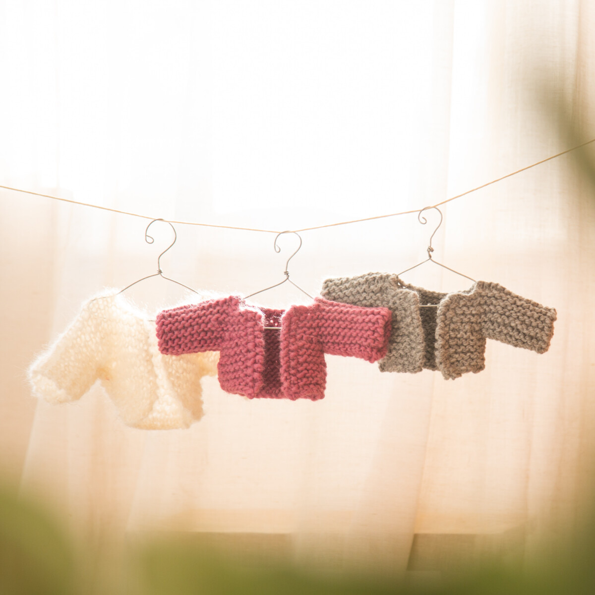 Read more about the article Free Cardigan Knitting Pattern for The Twisty Bendy Yoga Rag Dolls